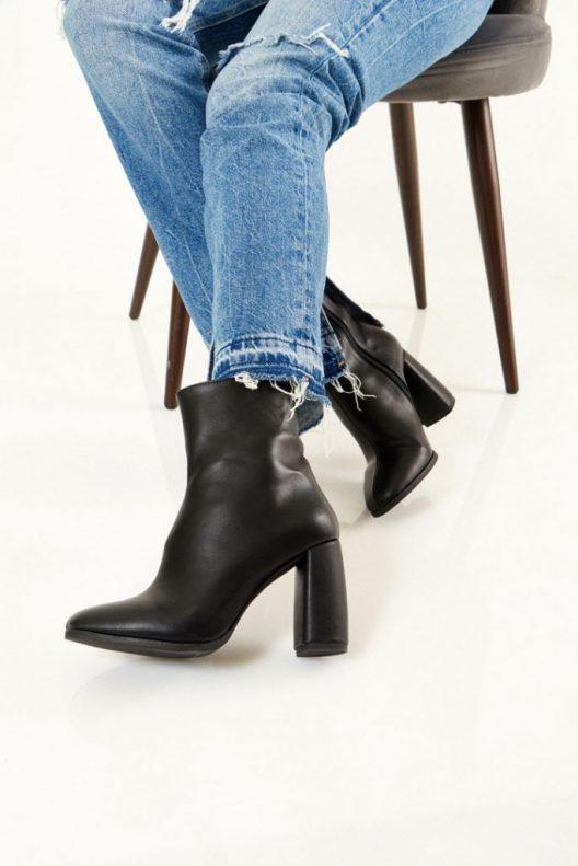 Sandy Boots - Black