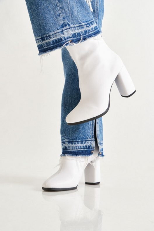 Sandy Boots - White